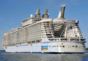 Oasis of the Seas Rear